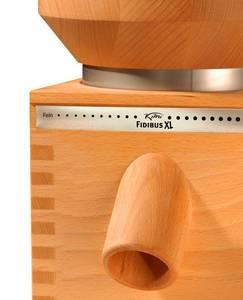 Mlýnek na obilí Komo Fidibus XL, pohled z profilu