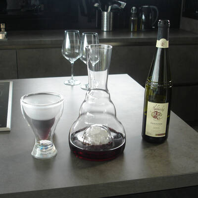 harmonizační karafa ViaHuman - křišťál víno